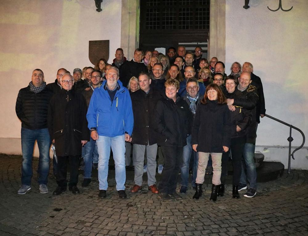Wirtschaftsjunioren und Wirtschaftskreis Lüdenscheid von den Lichtrouten beeindruckt