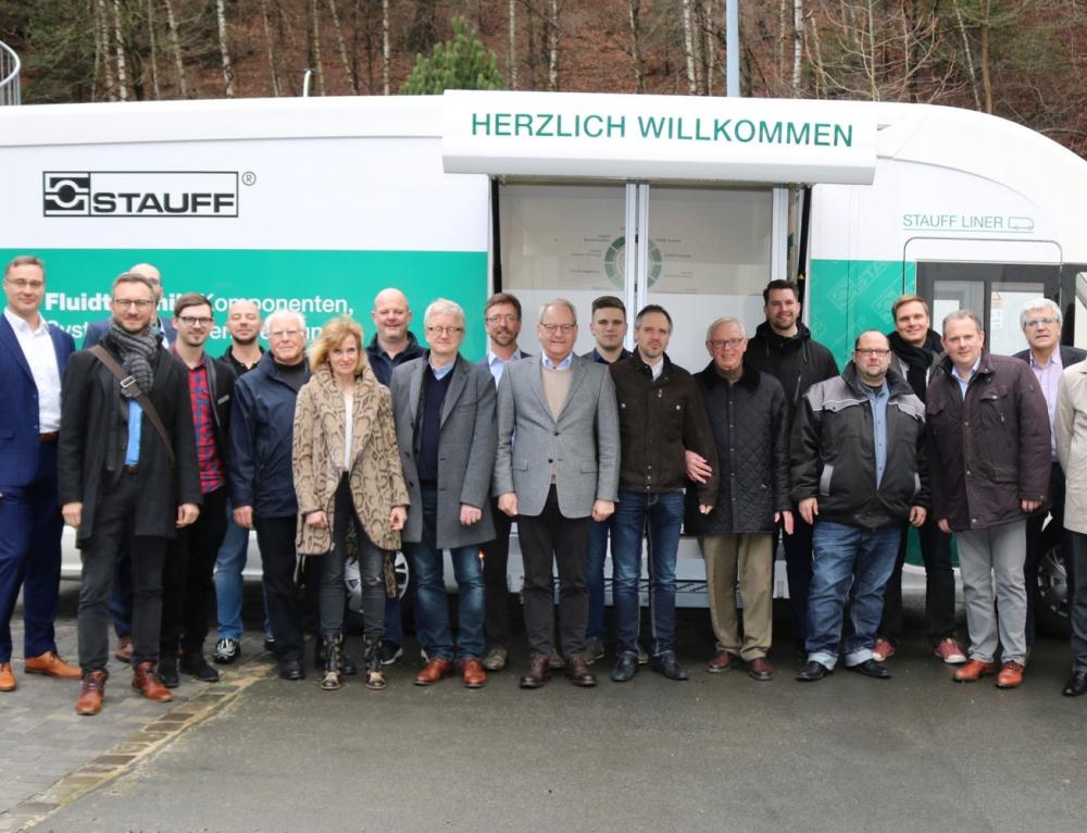 Wirtschaftsjunioren informieren sich bei Stauffenberg